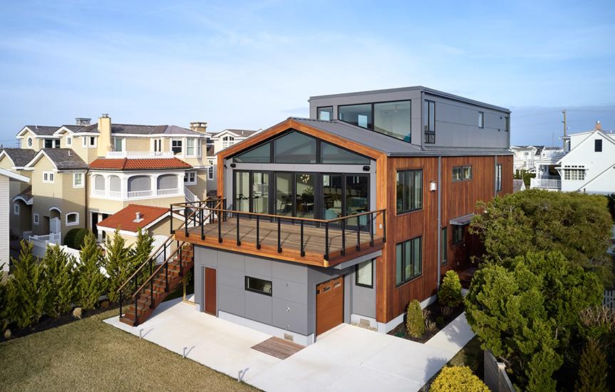 NewStudio Architecture's contemporary seaside retreat has three spacious floors.