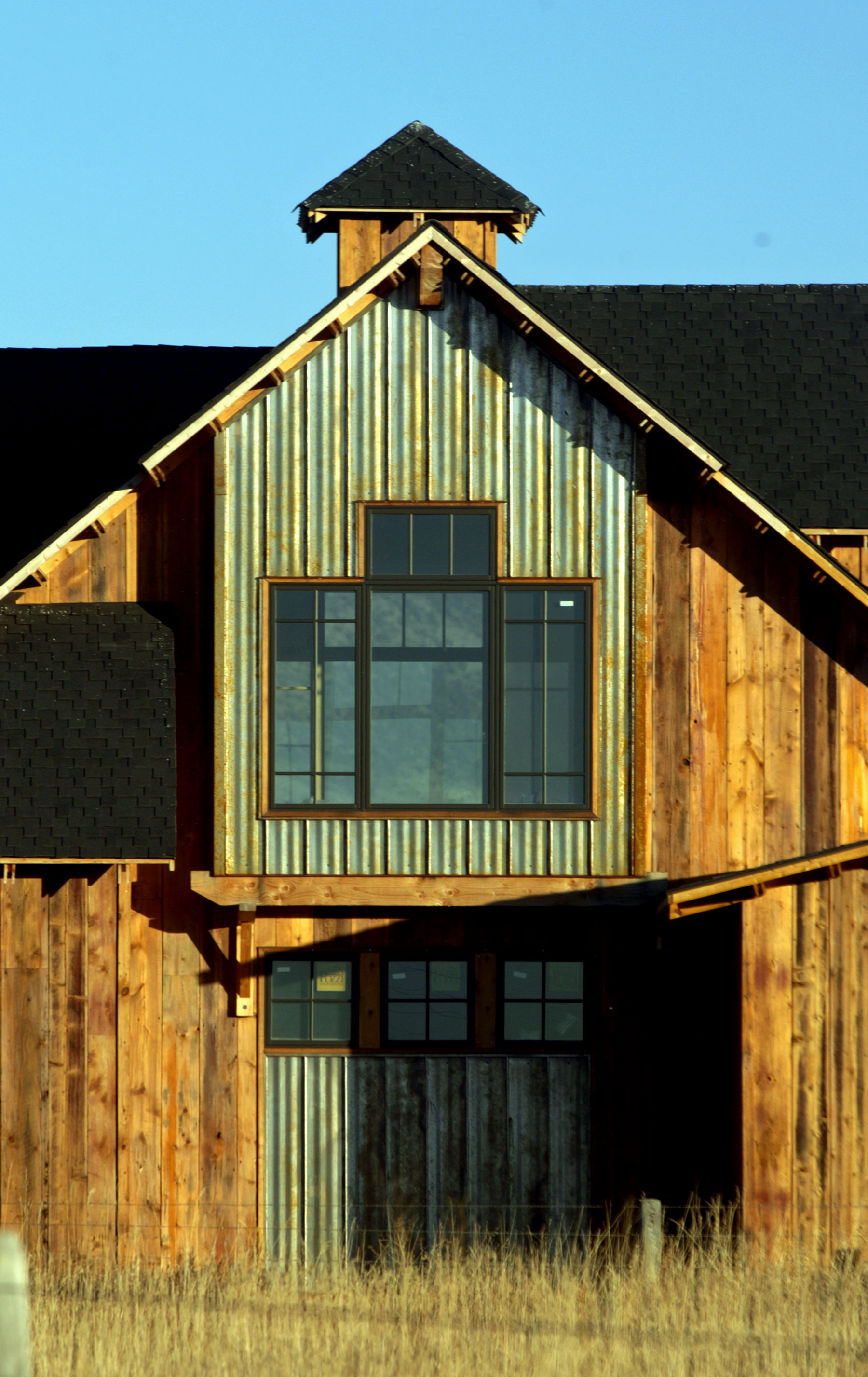 Ward-Barn-Close-W.jpg