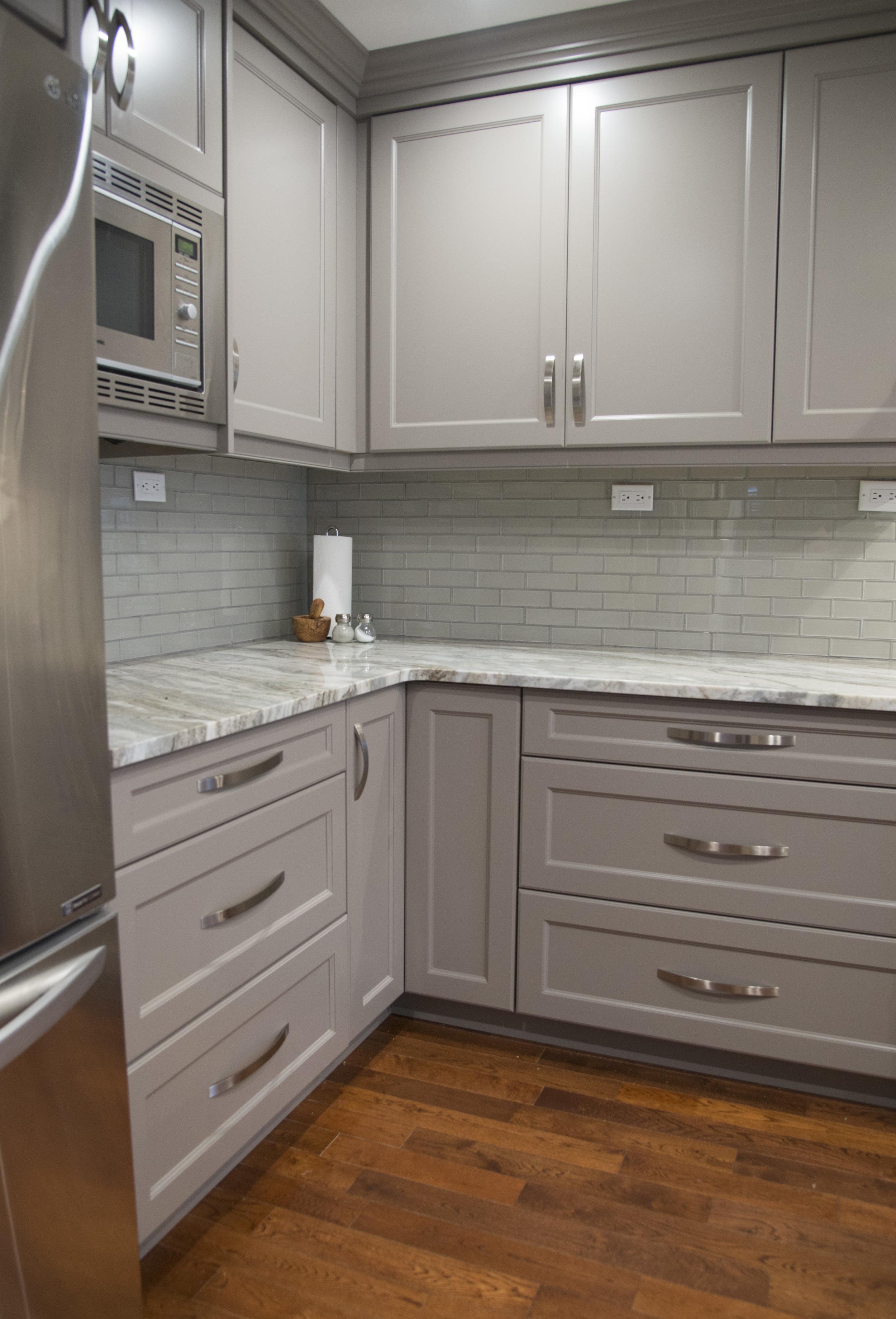 Grey_kitchen_9.jpg