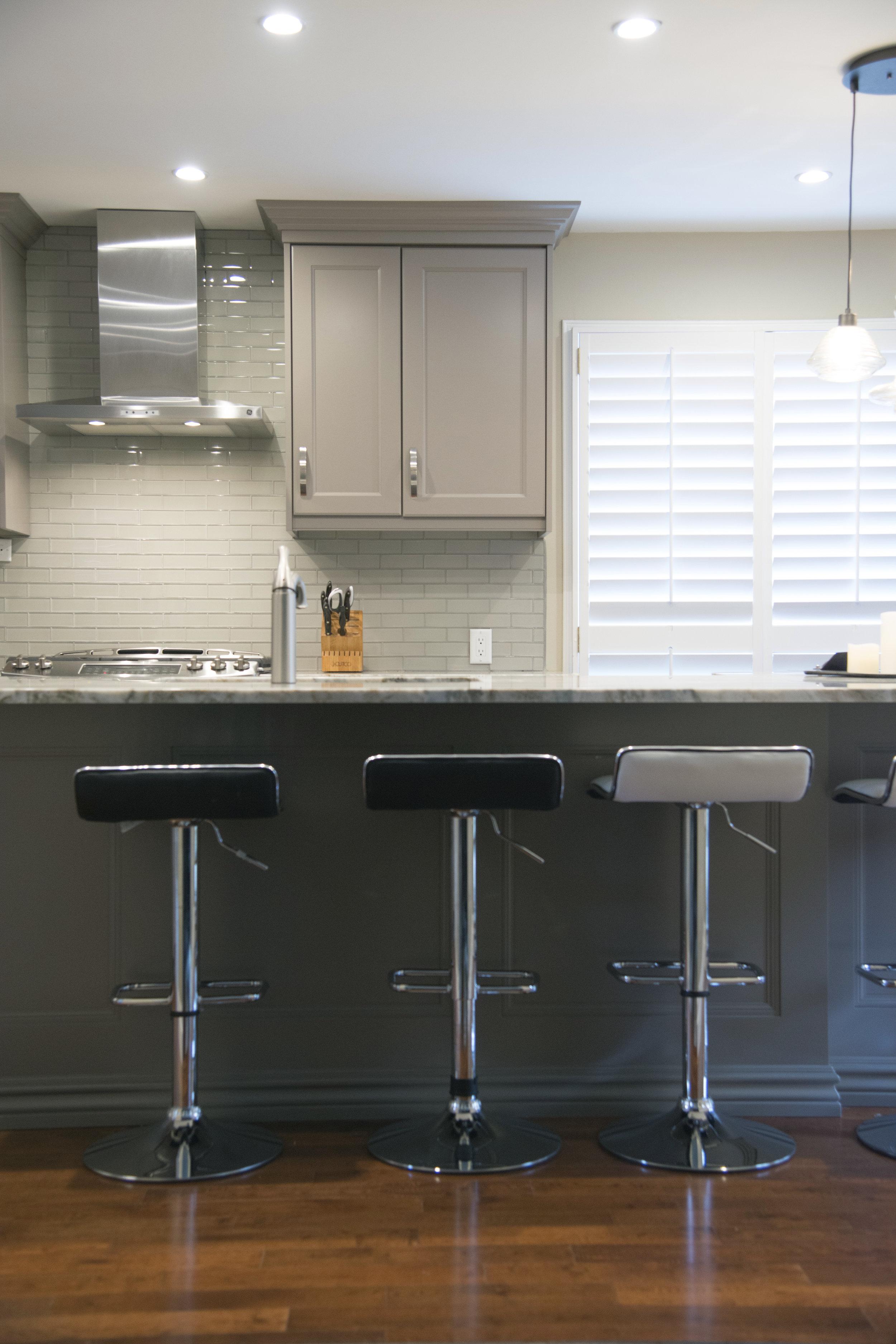Grey_kitchen_11.jpg