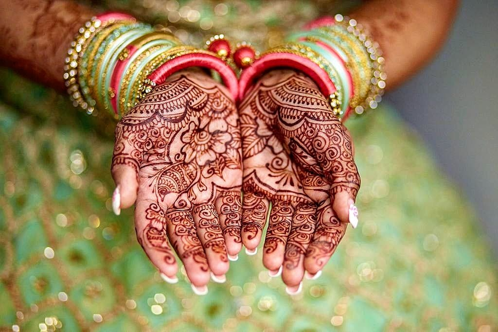 luxe-by-lindsay-charleston-south-carolina-sc-lowcountry-wedding-photographer-indian-bride-mehndi-mehendi.jpg
