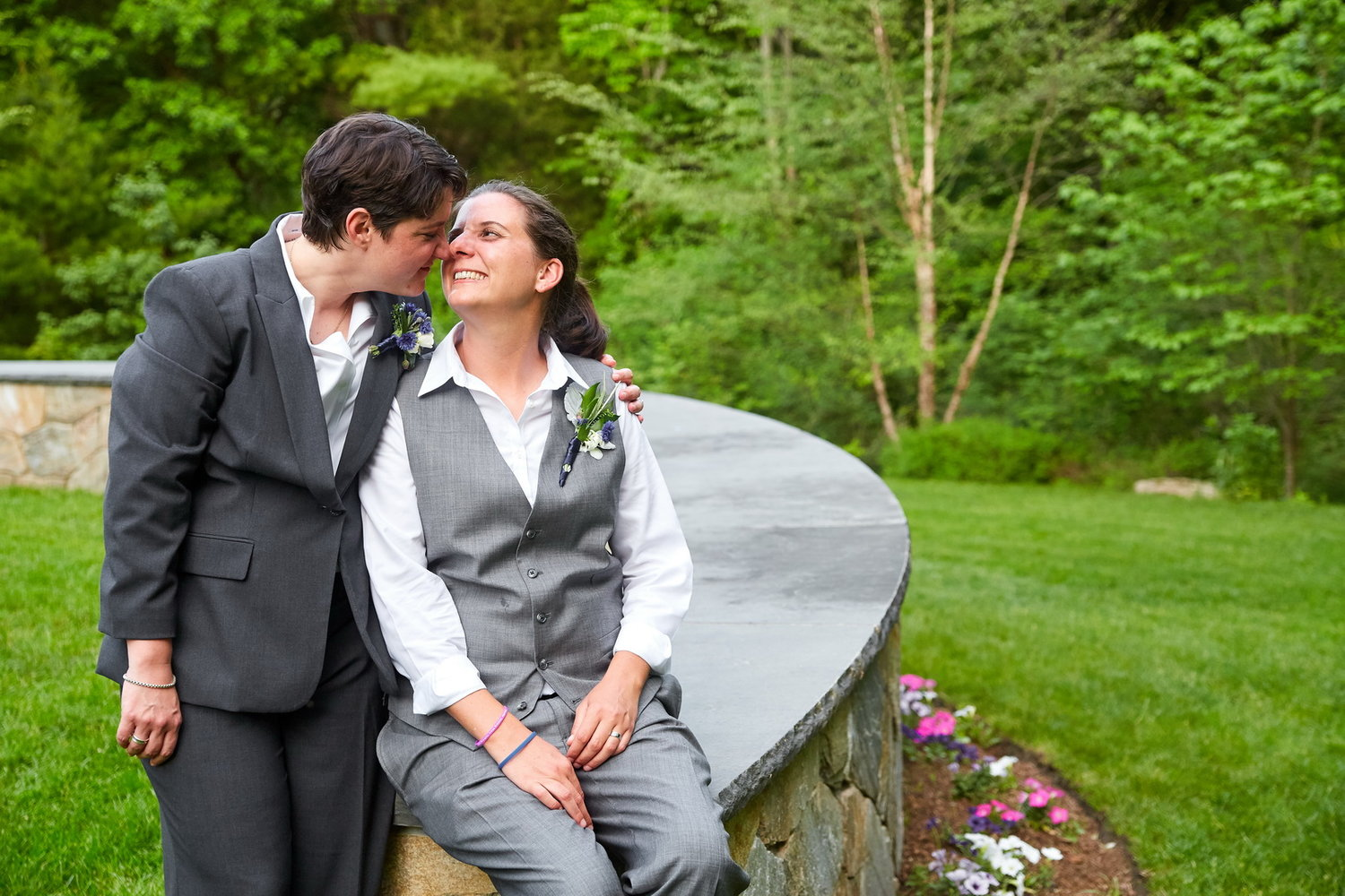 luxe-by-lindsay-charleston-south-carolina-sc-lowcountry-wedding-photographer-lgbtq-same-sex-brides-nuzzle.jpg
