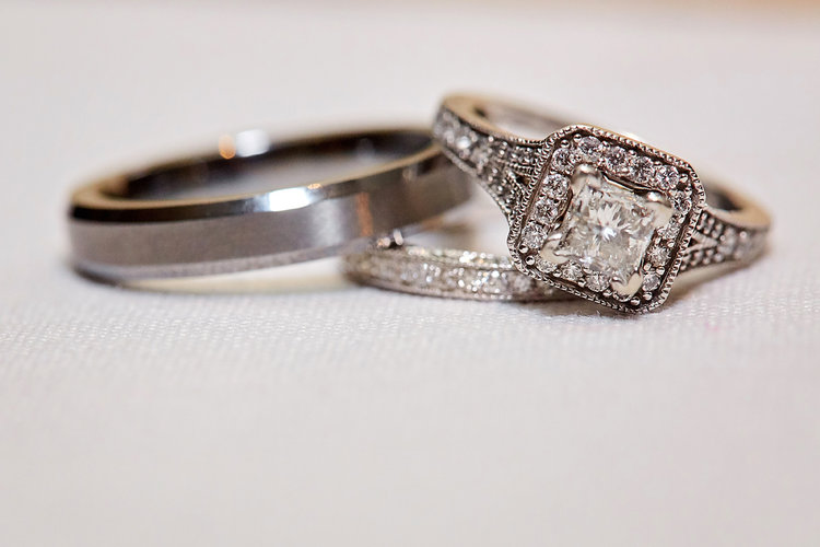 luxe-by-lindsay-charleston-south-carolina-sc-lowcountry-wedding-photographer-rings.jpg