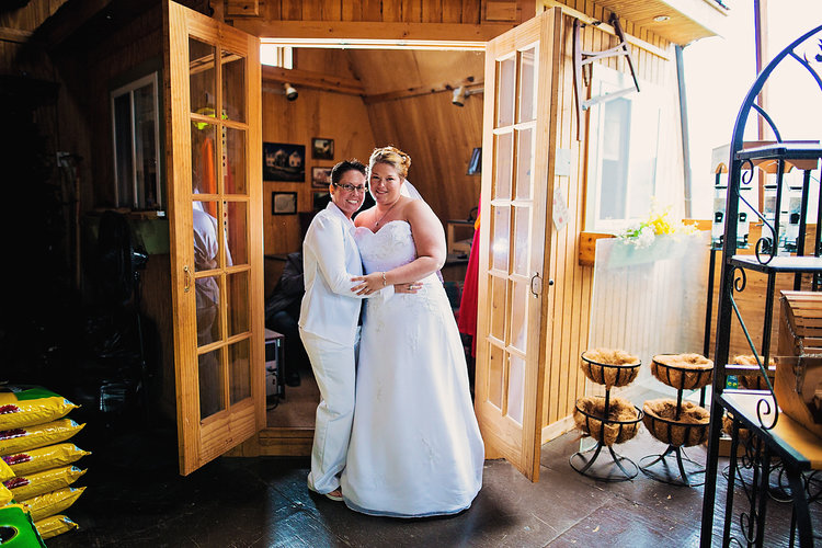 luxe-by-lindsay-charleston-south-carolina-sc-lowcountry-wedding-photographer-rustic-lgbtq-same-sex-brides.jpg