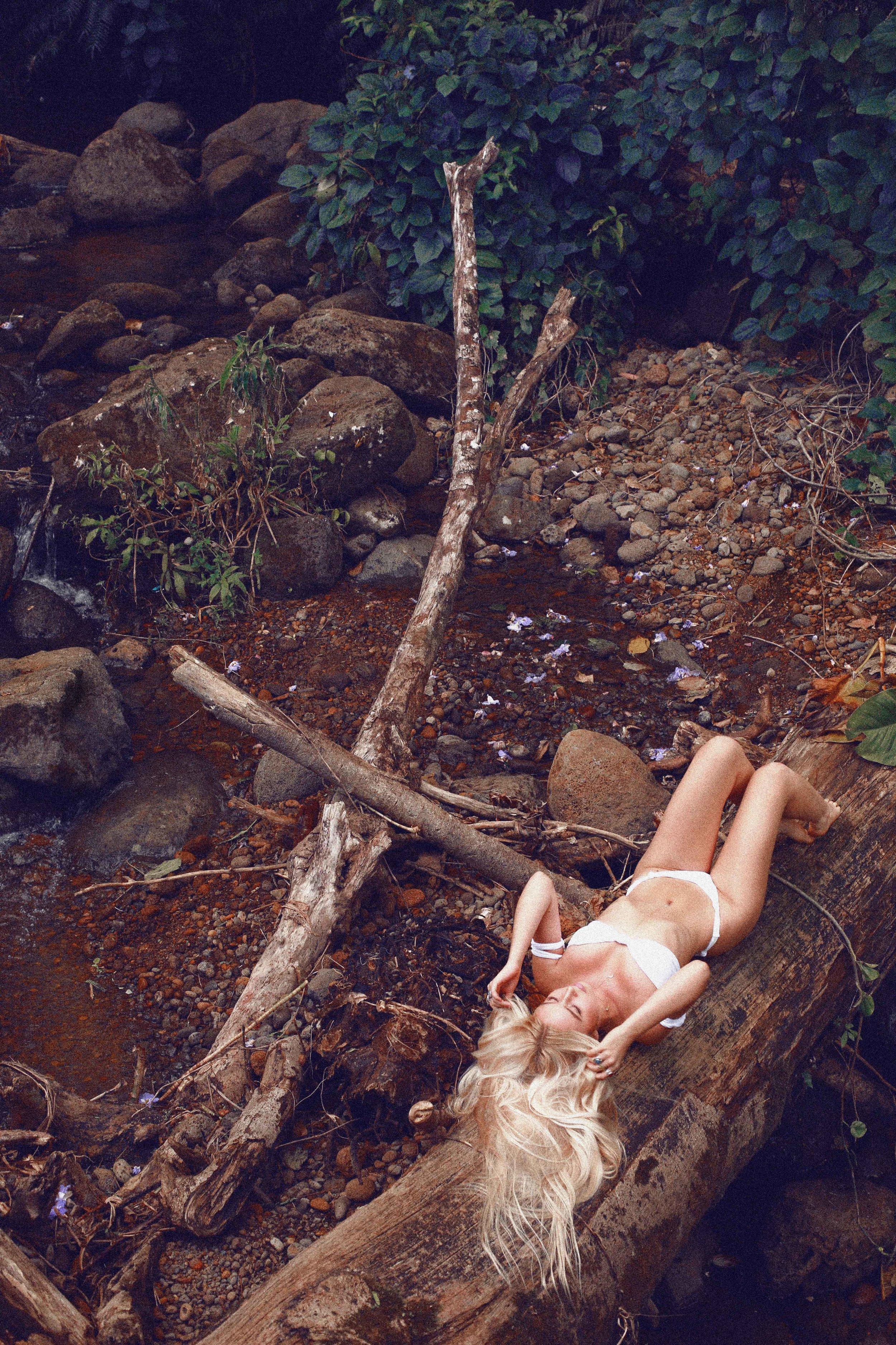 @Kelly.lauren Bikini Shoot in Manoa Falls, Hawaii - A Photo Shoot Story by Alyssa Risley - IG @alyssarisley