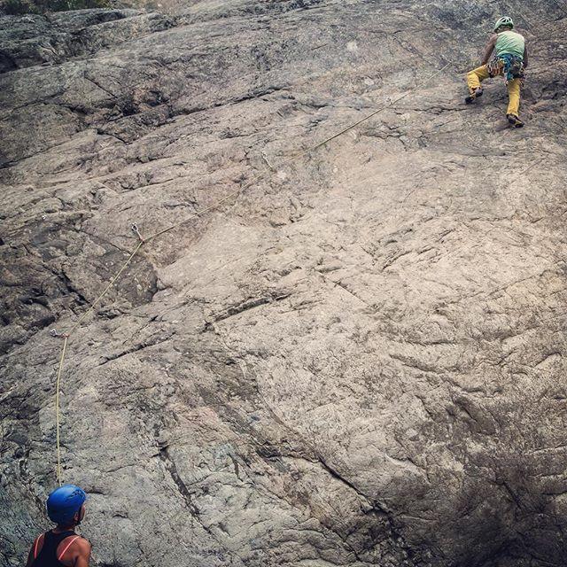 Öppen klättring på Örnberget. #bergsidan #friluftsframjandet #climbing #öppenklättring