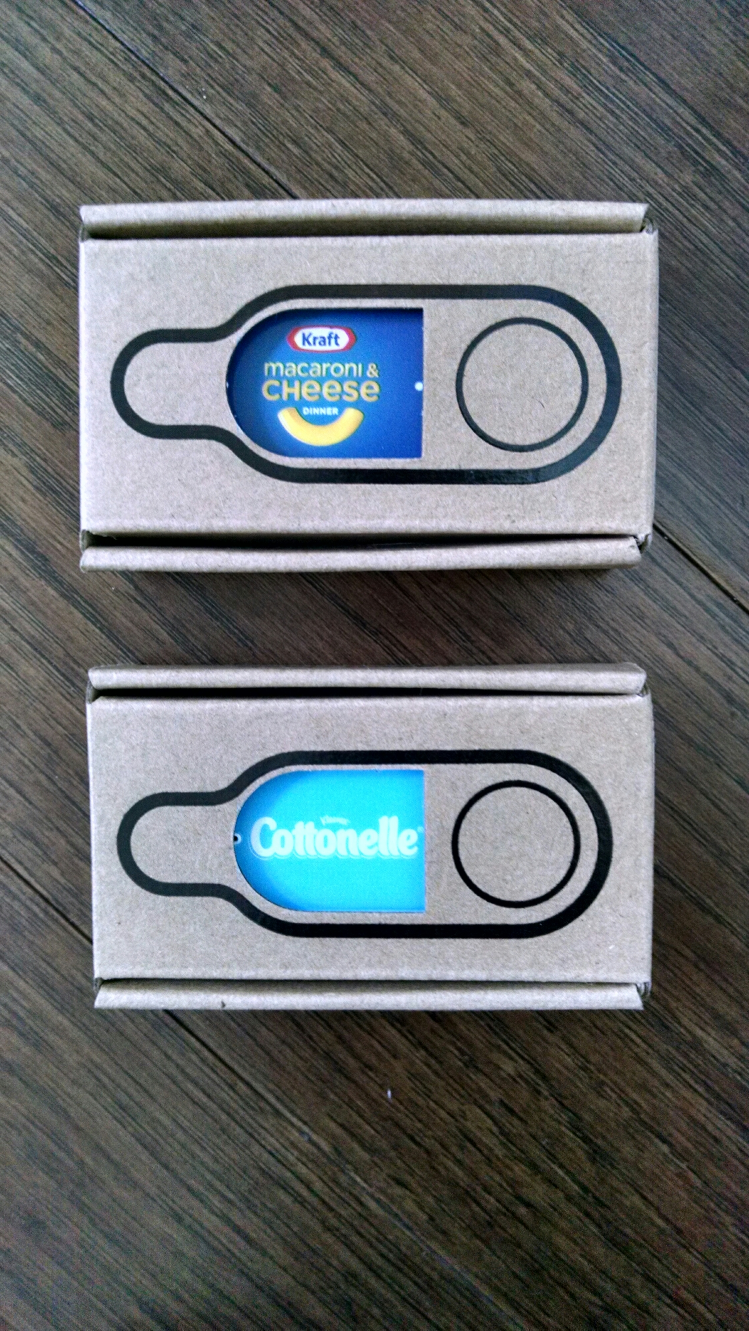 Minimalist packaging for the buttons.