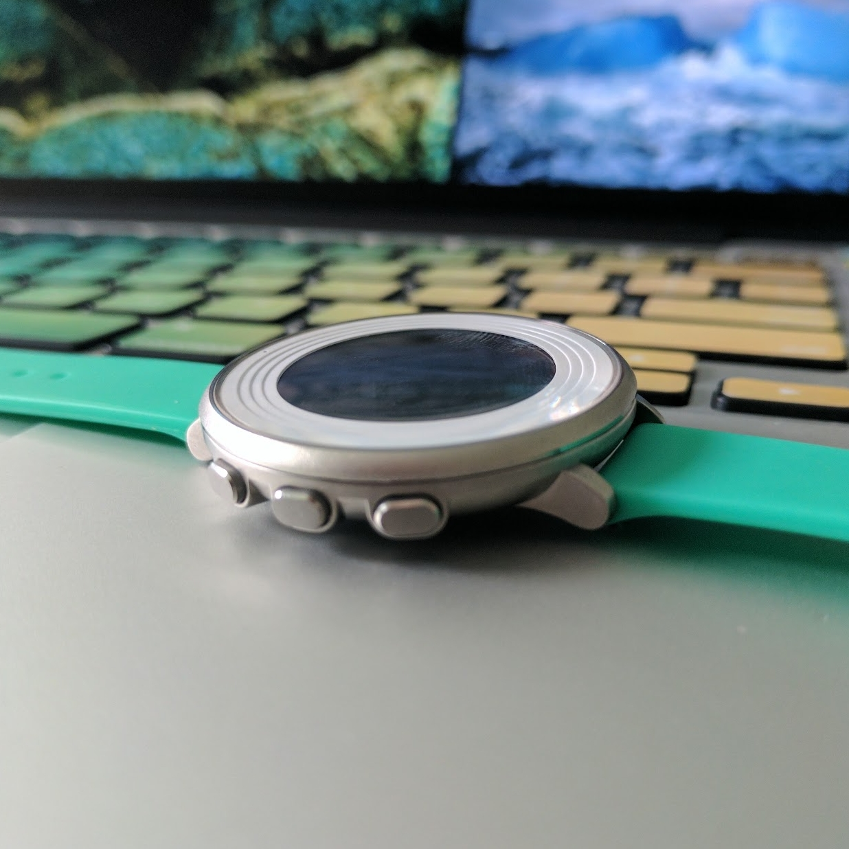 So slim. This thing actually just looks like a regular watch.