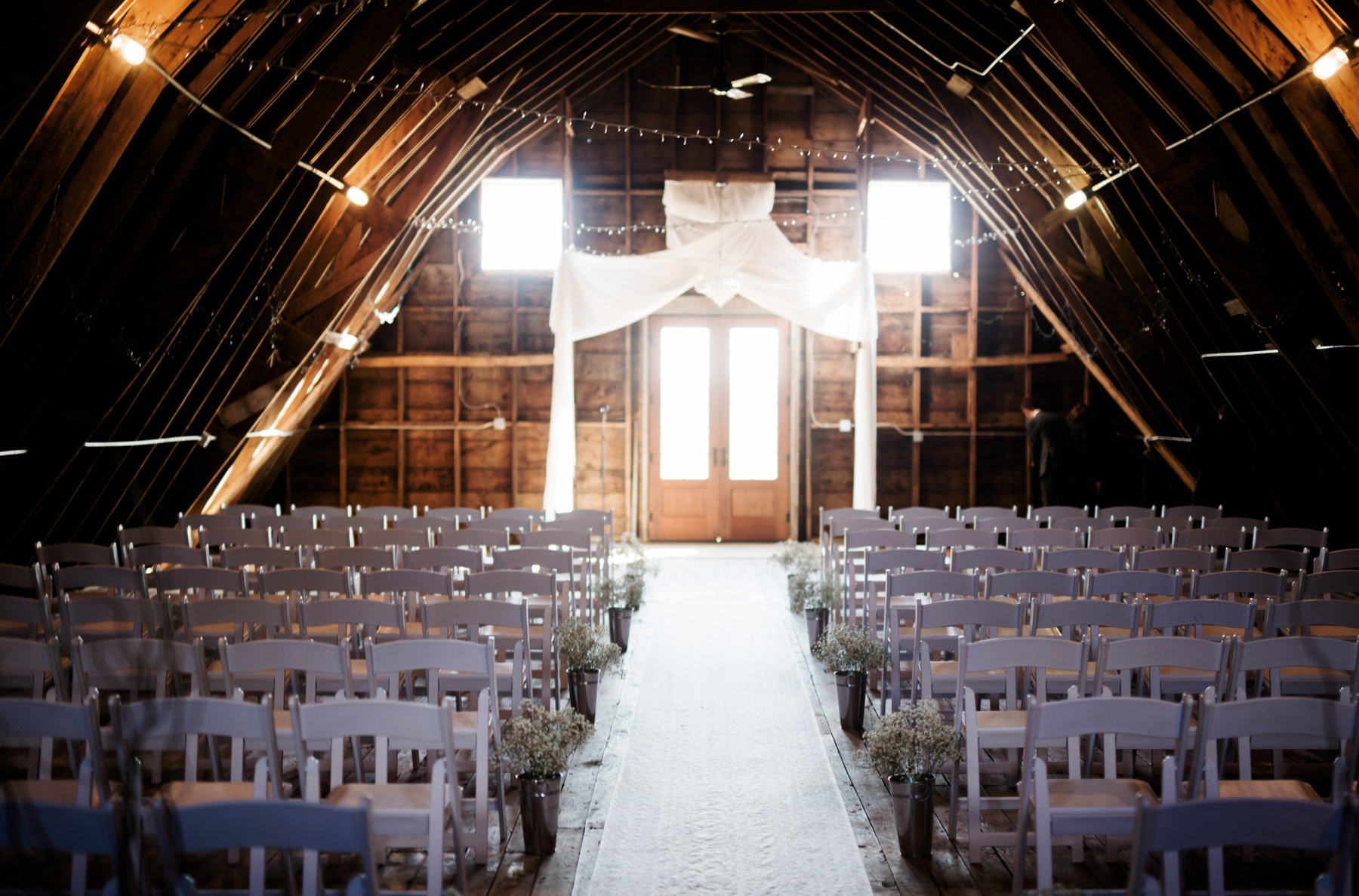 wedding-photographer-rochester-coops-event-barn-clewell-photography-16.jpg