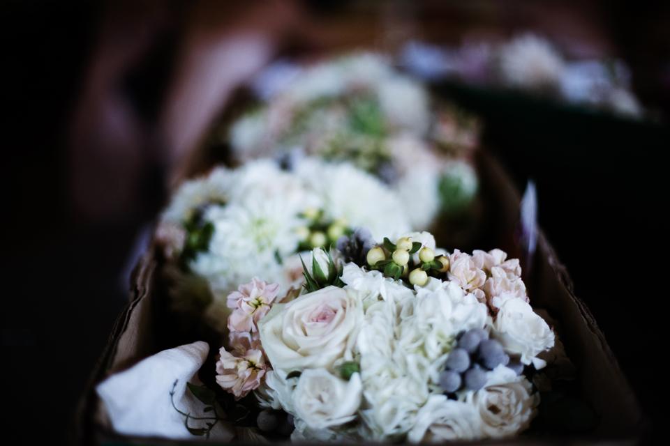 minneapolis-wedding-photographer-nicollet-island-graves-hotel-27.2.jpg