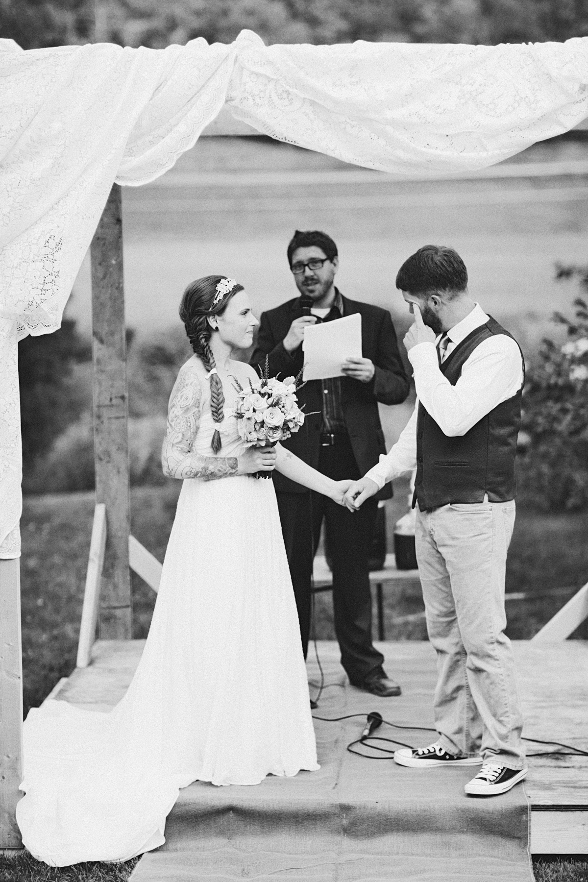 clewell-photography-minneapolis-farm-hunger-games-wedding-16.1.jpg