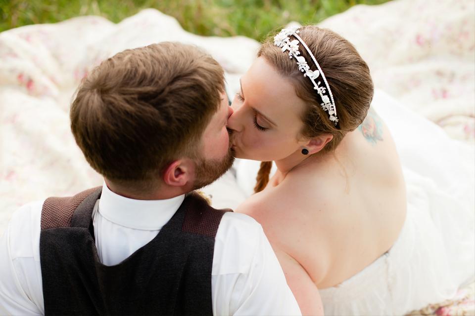 clewell-photography-minneapolis-farm-hunger-games-wedding-40.jpg
