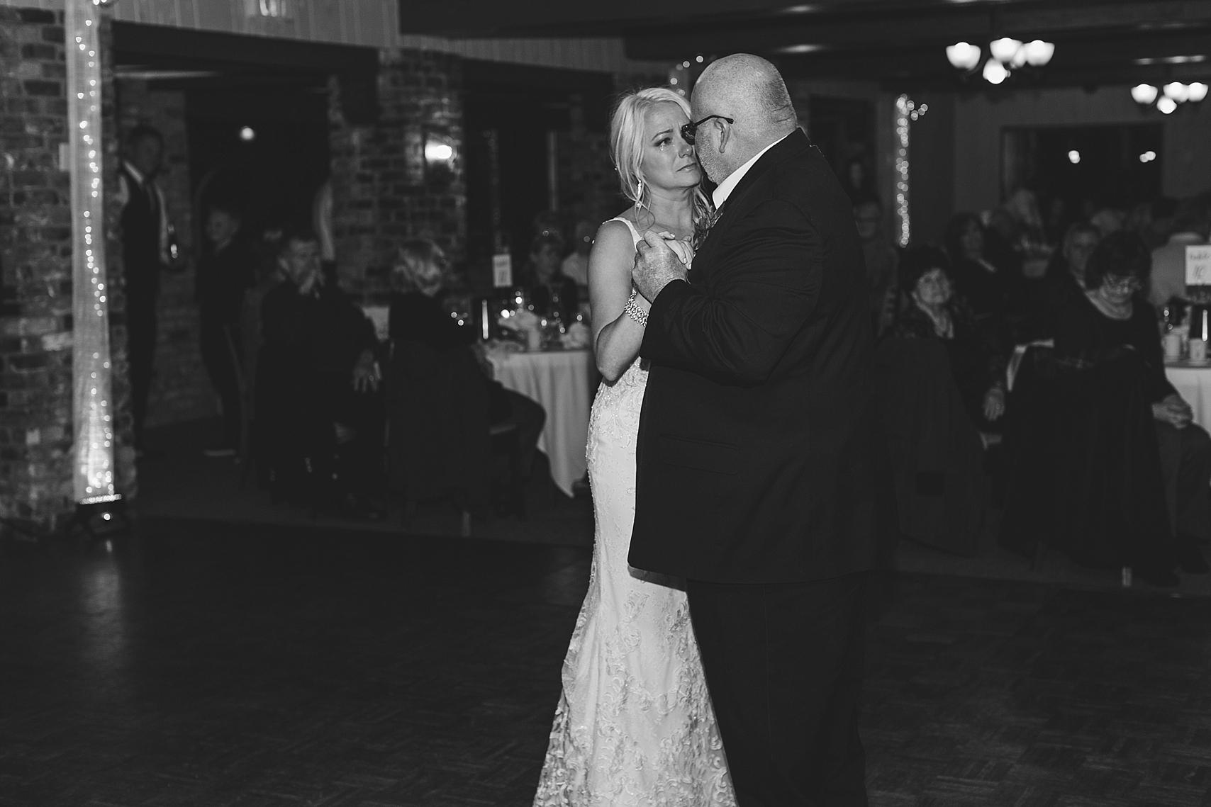 Father daughter dance at the Chart House Summer Wedding Lakeville Minnesota Minneapolis Wedding Photographer Mallory Kiesow