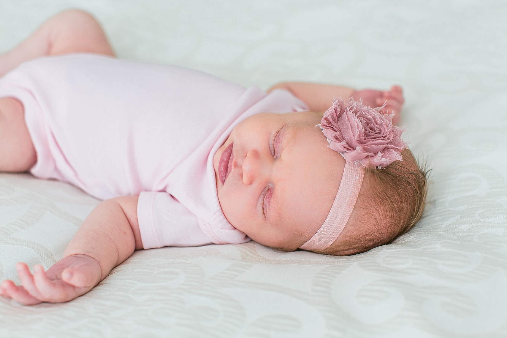 Minneapolis Minnesota Lifestyle In-Home Newborn Photographer-9.jpg