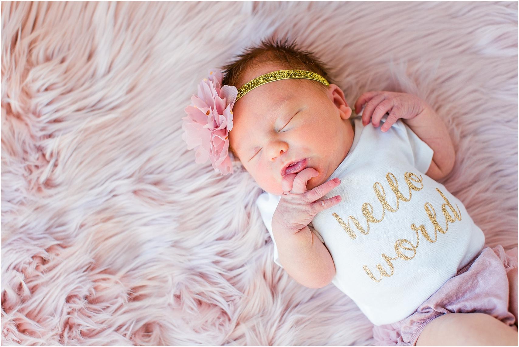 Minnesota Lifestyle In Home Newborn Photography Session Eagan Newborn Photography_0004.jpg