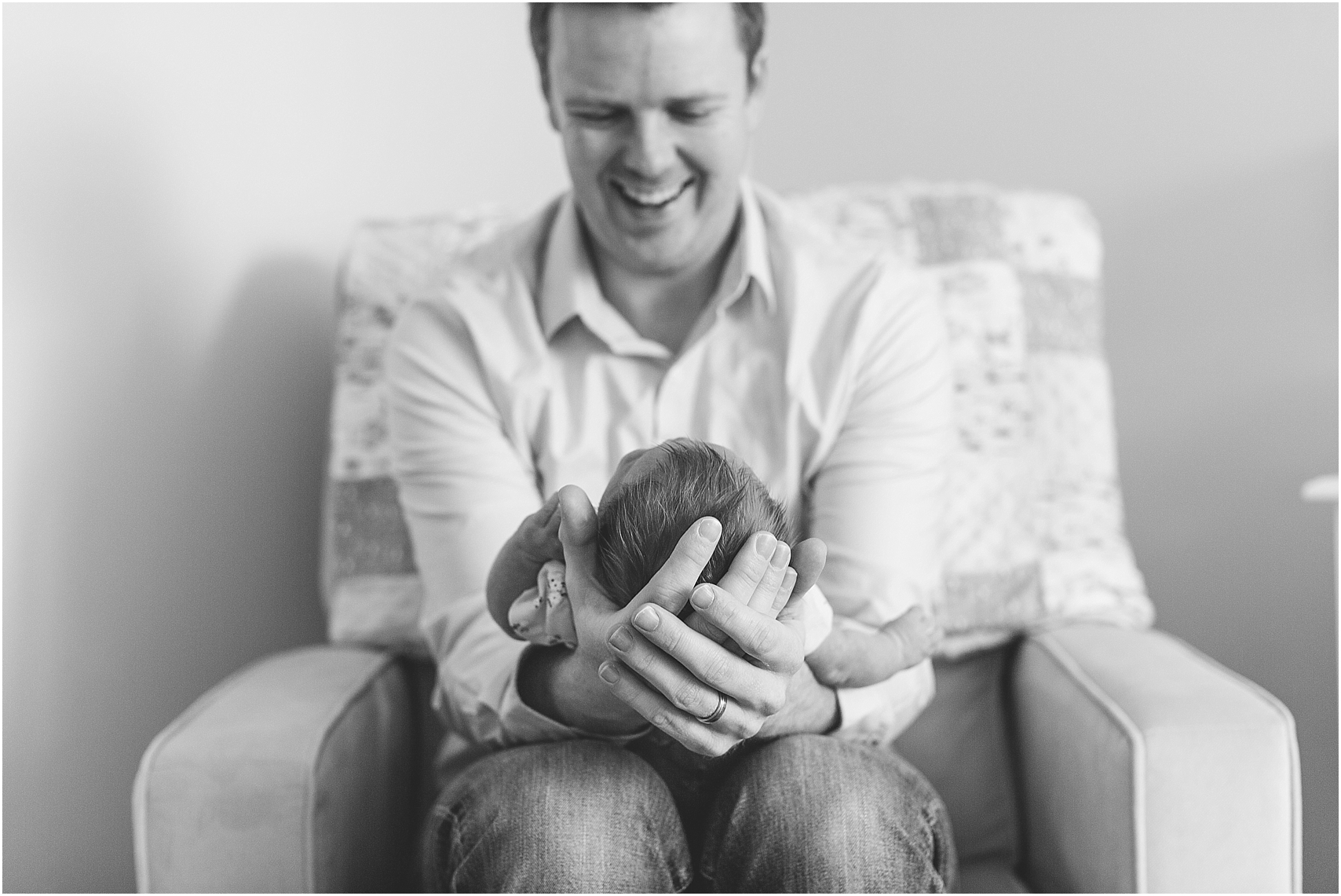 Minnesota Lifestyle In Home Newborn Photography Session Eagan Newborn Photography_0013.jpg