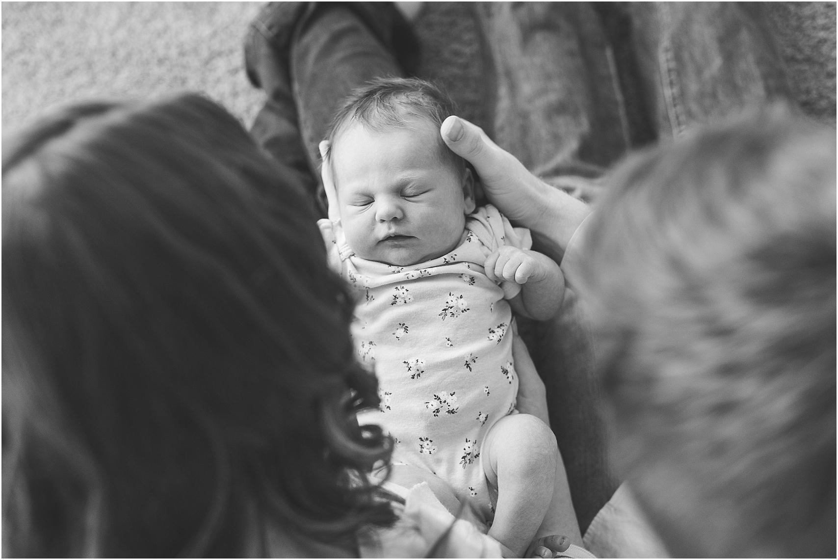 Minnesota Lifestyle In Home Newborn Photography Session Eagan Newborn Photography_0022.jpg