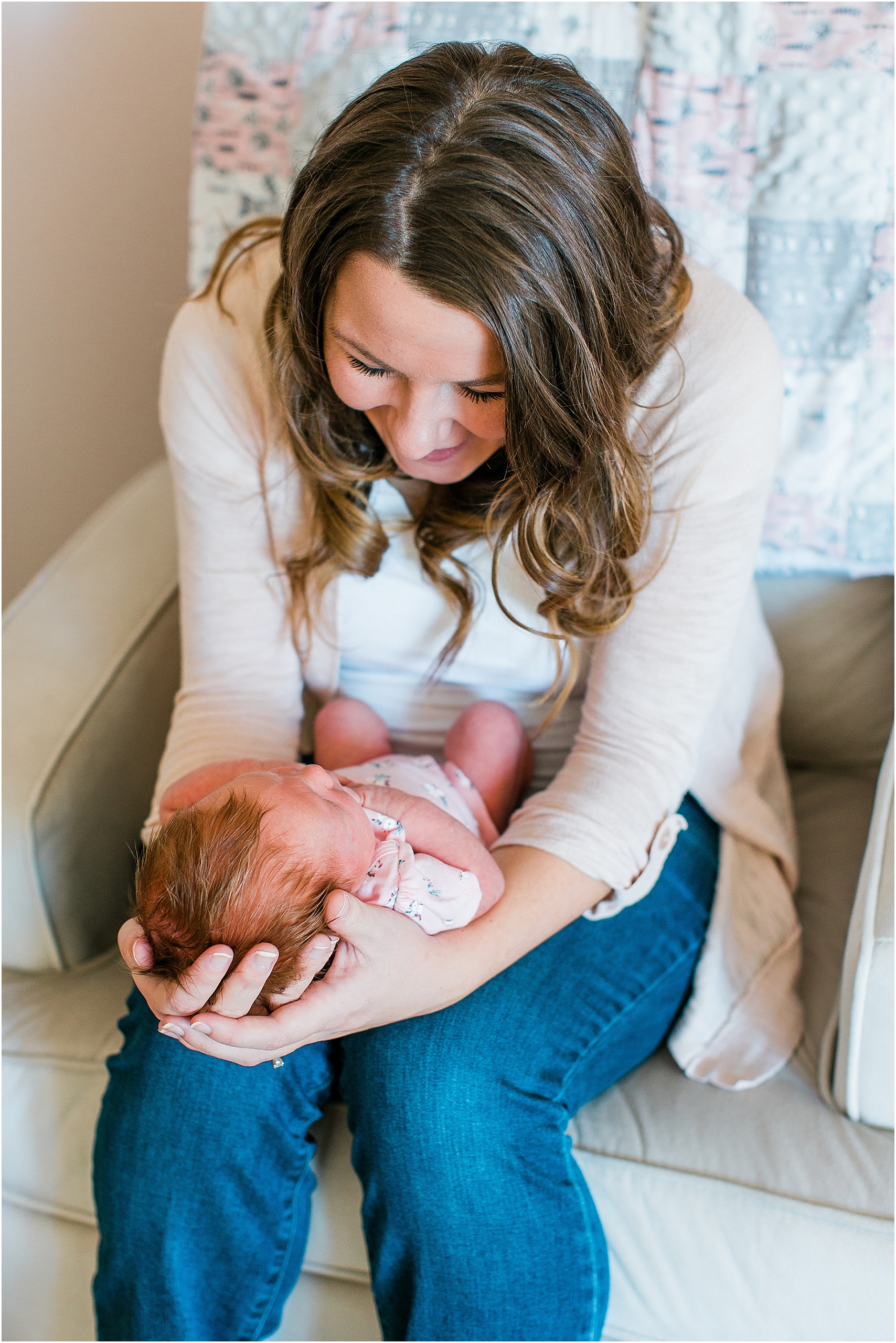 Minnesota Lifestyle In Home Newborn Photography Session Eagan Newborn Photography_0032.jpg
