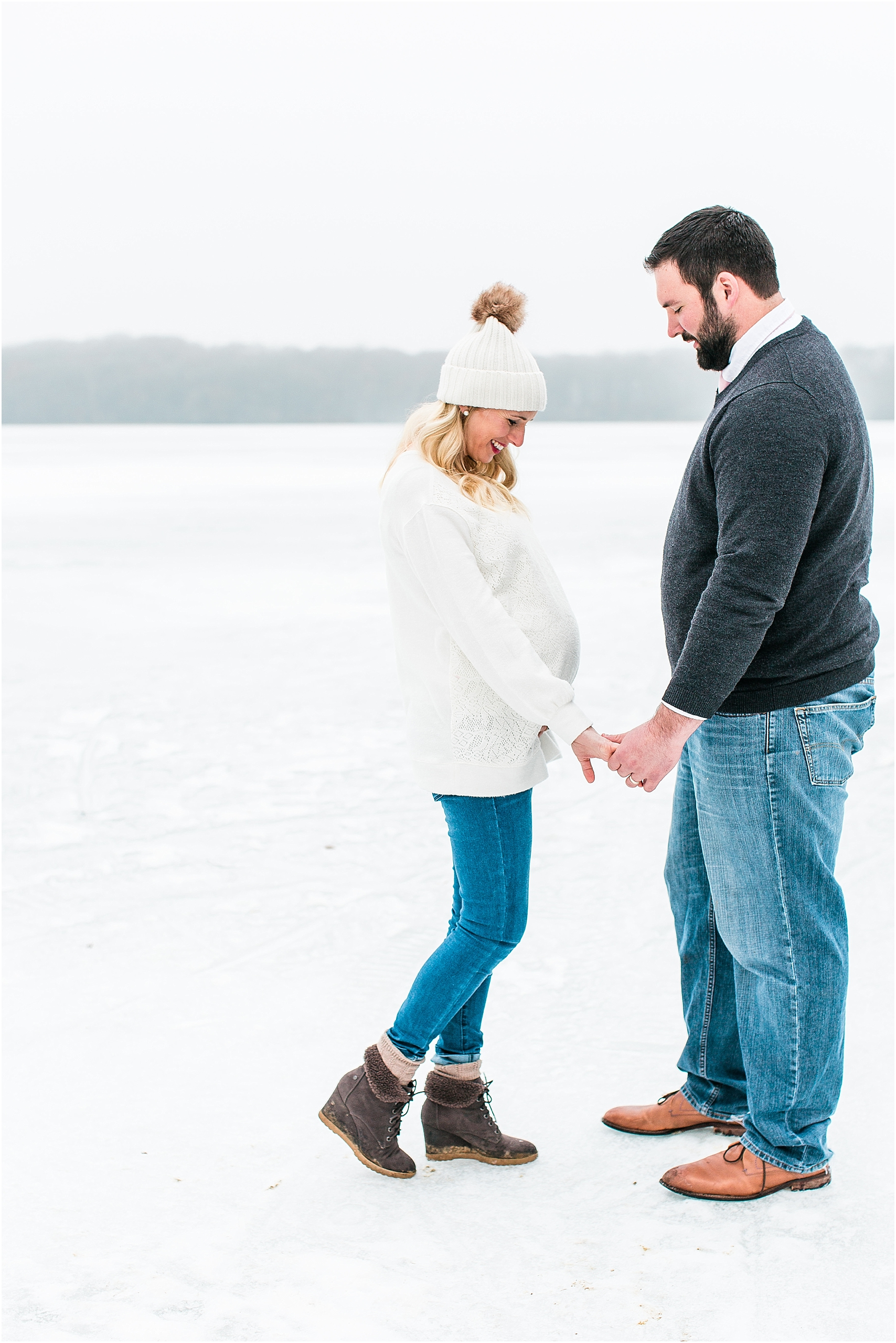 Minnesota winter maternity session Lake Ann Park Chanhassen photographed by Mallory Kiesow, Minnesota maternity photographer_006.jpg