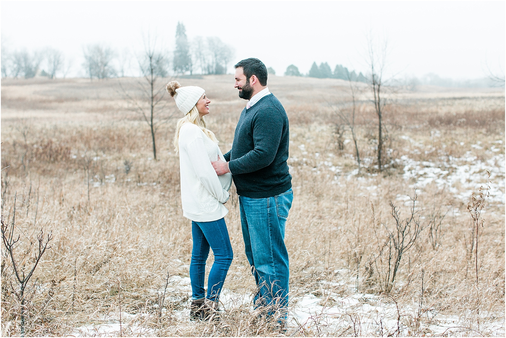 Minnesota winter maternity session Lake Ann Park Chanhassen photographed by Mallory Kiesow, Minnesota maternity photographer_015.jpg