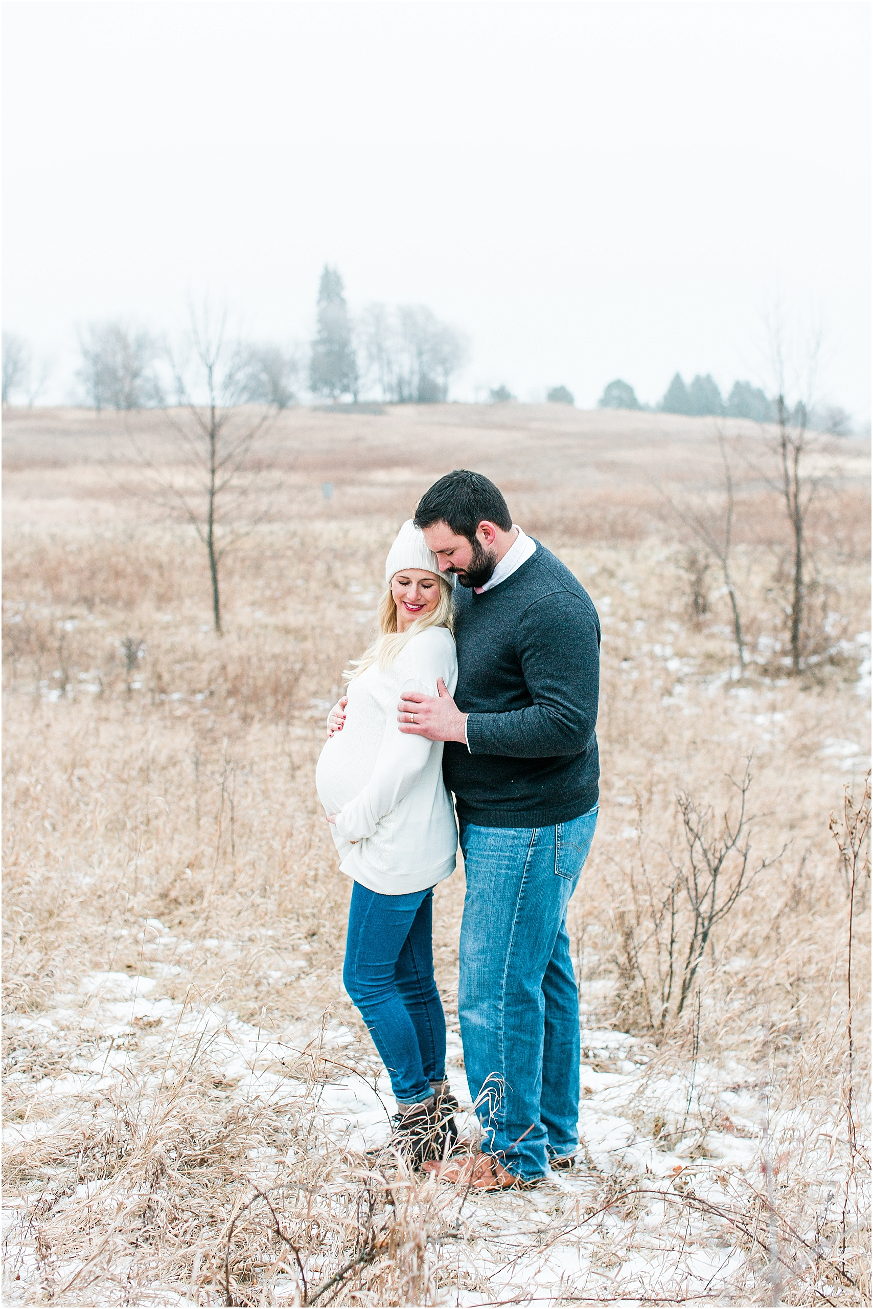 Minnesota winter maternity session Lake Ann Park Chanhassen photographed by Mallory Kiesow, Minnesota maternity photographer_010.jpg