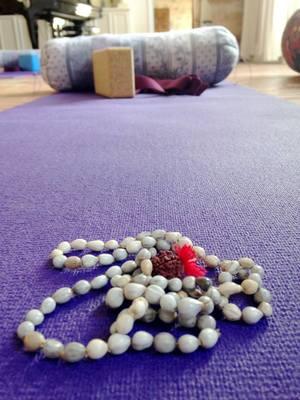mala-meditation.jpg