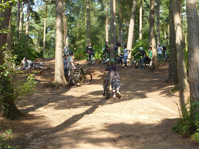 chicksands_dirt_jump_002.jpg