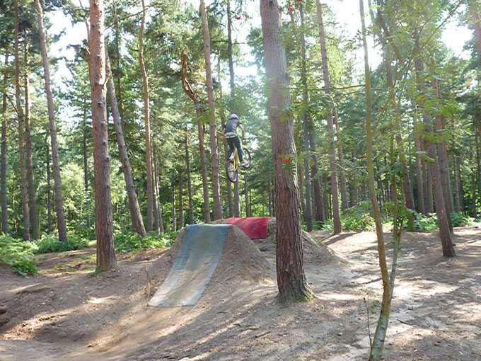 chicksands_dirt_jump_005.jpg