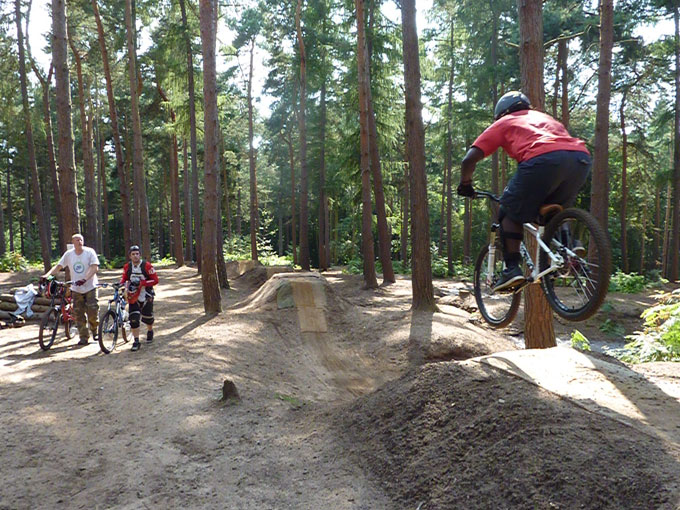 chicksands_dirt_jump_006.jpg