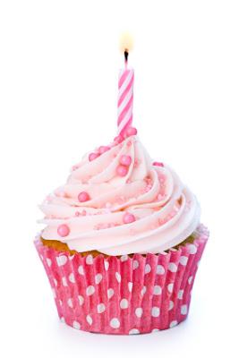 pink-cupcake-candle2.jpg