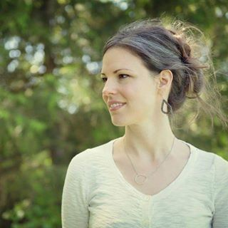 Petra Hrziwnatzki     Mixed media artist, uplifting teacher and soulful inspirer