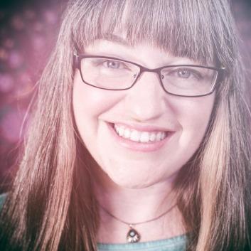 Sarah Treanor     Photographer, writer and creative mentor