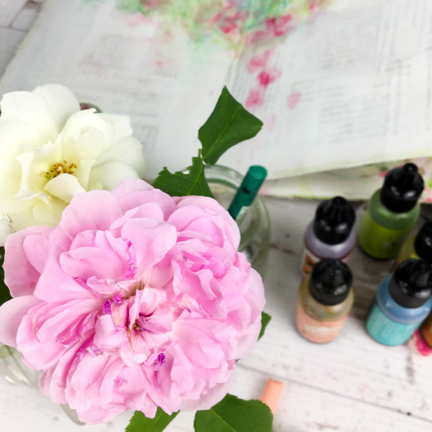Wild Roses, floral abstract painting class with Laly Mille - https://www.lalymille.com/wildroses