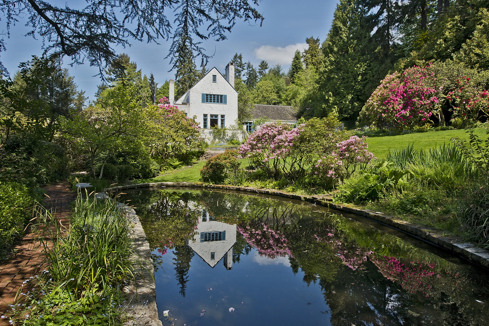 Bonnie Brook Estate  The Highlands  36 NW Cherry Loop Drive, Seattle Offered at $4,500,000   LEARN MORE
