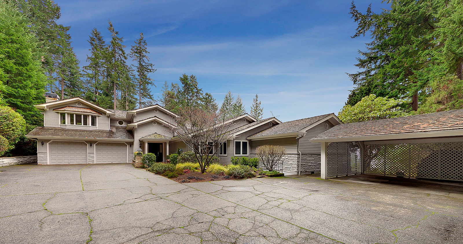 Refined Palate |The Highlands  12 Olympic Drive NW, Seattle Offered at $2,495,000   LEARN MORE