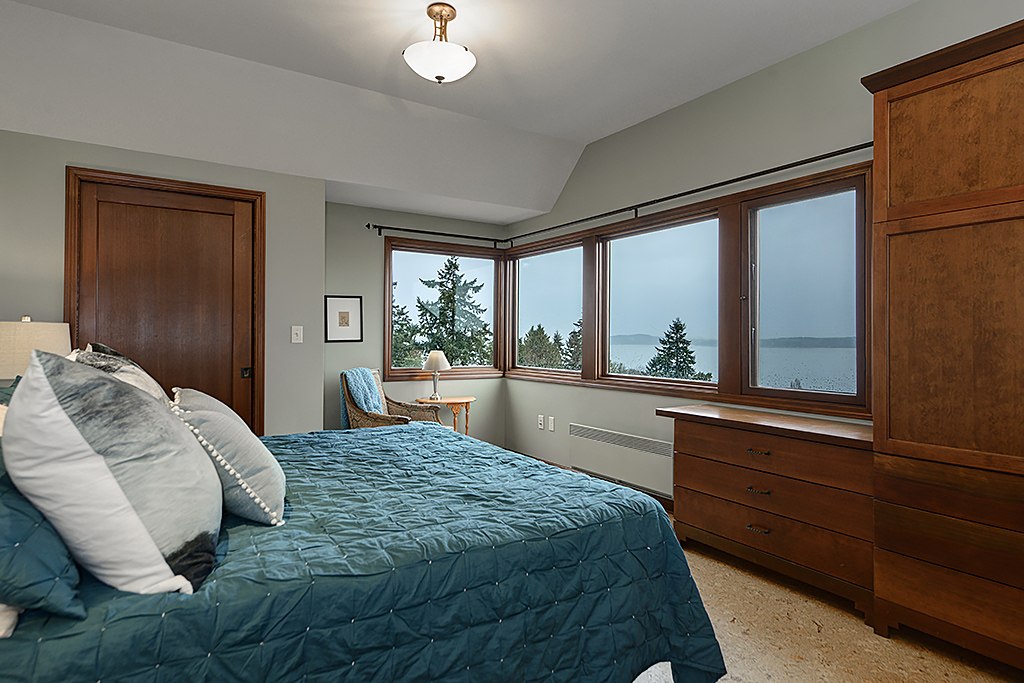 master bedroom 1.jpg