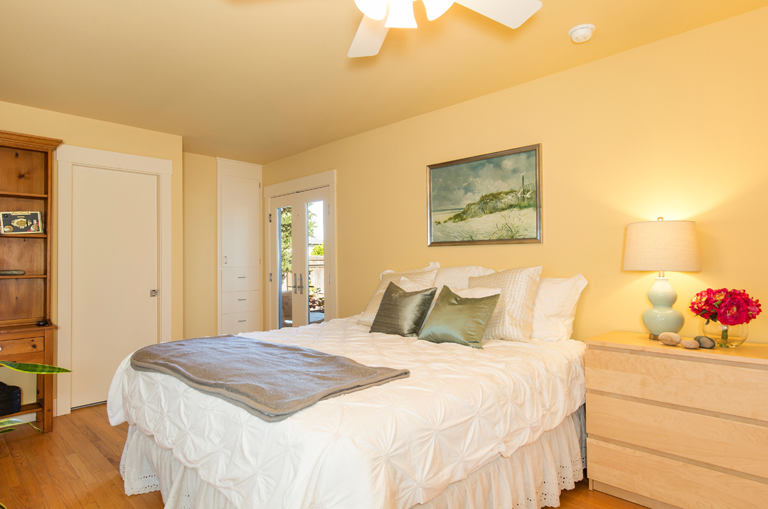 08 bedroom suite 1-1.jpg