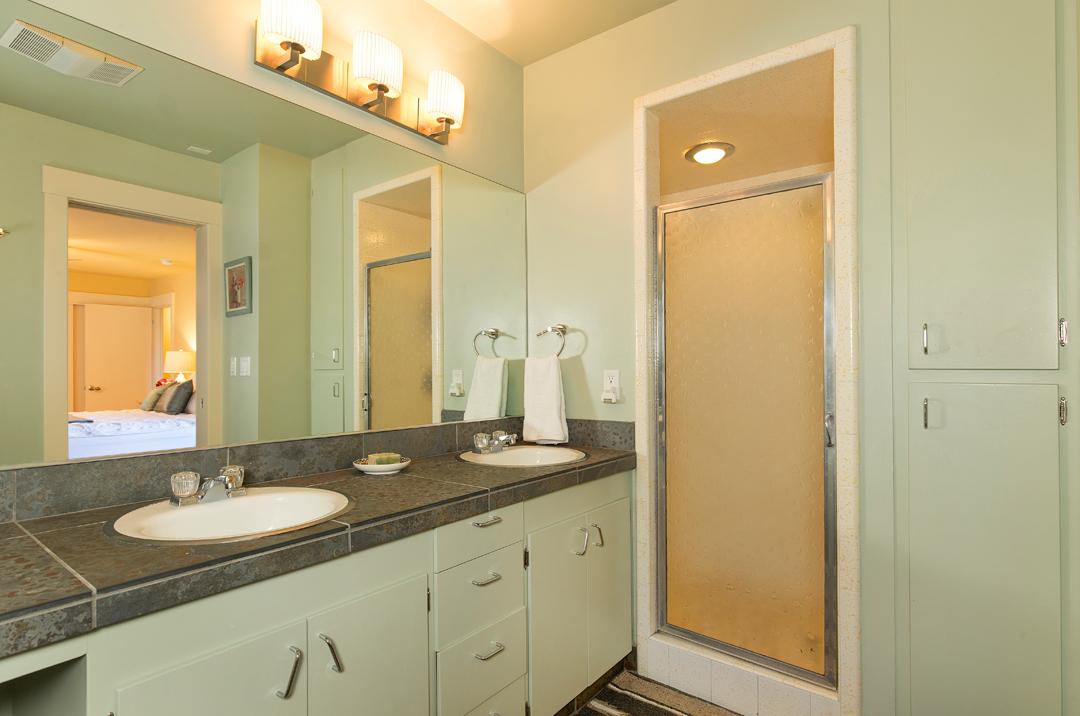 10 bedroom suite 1-3.jpg