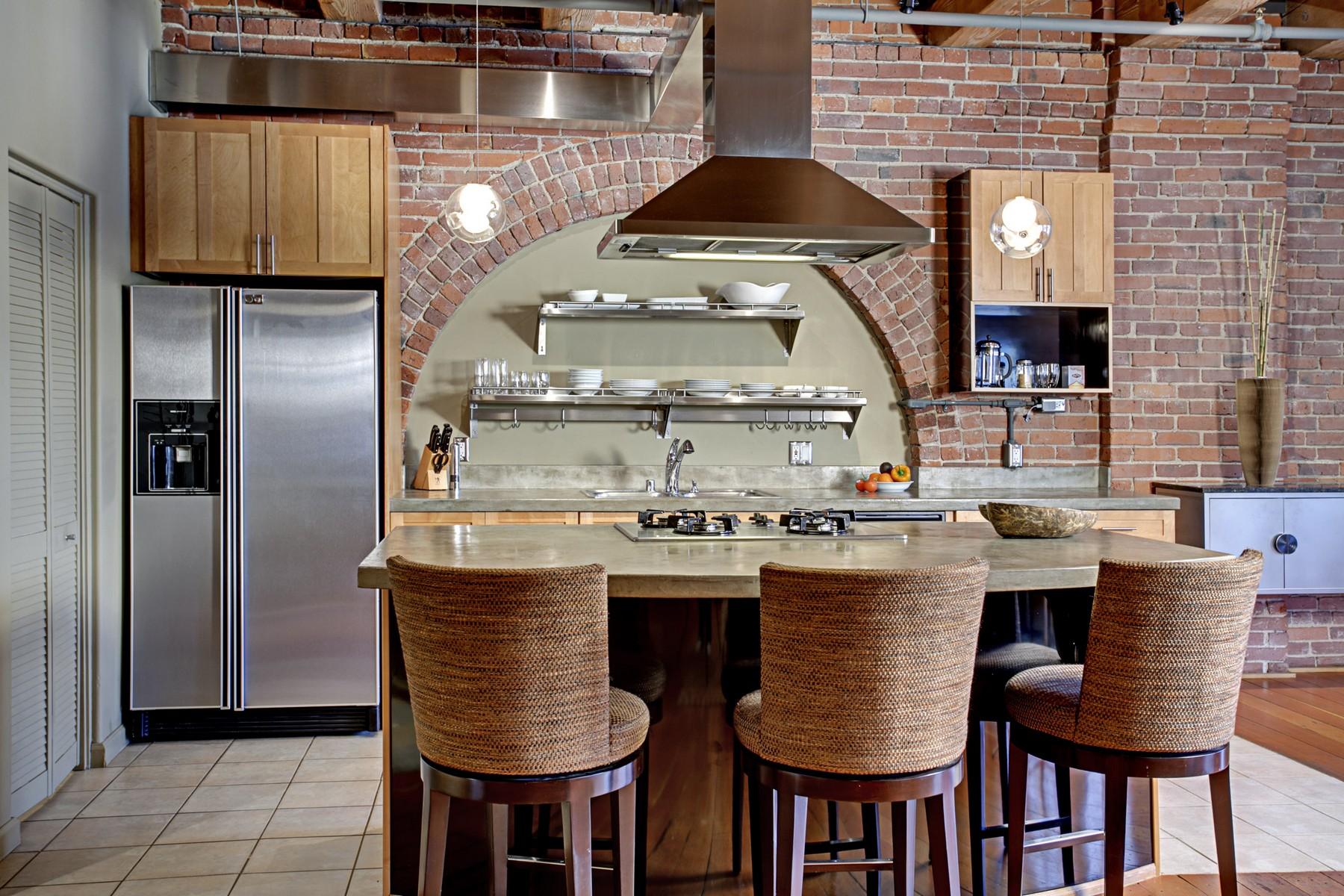 9 Kitchen01.jpg