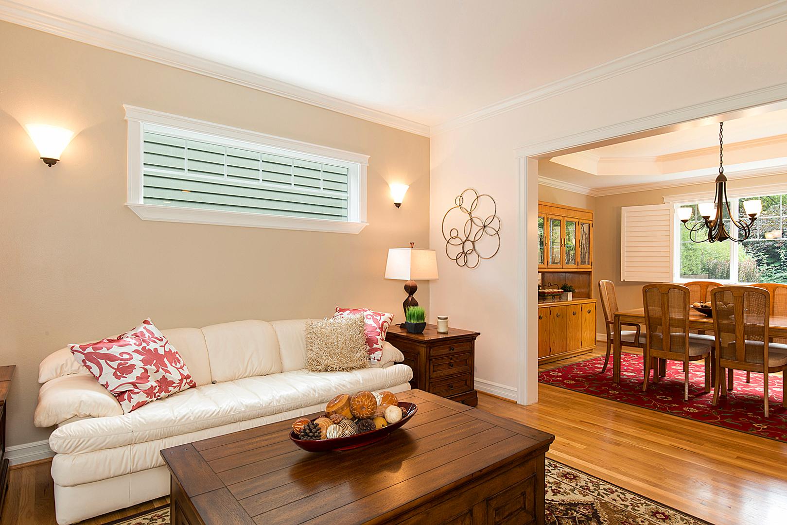33 living room 1-1.jpg