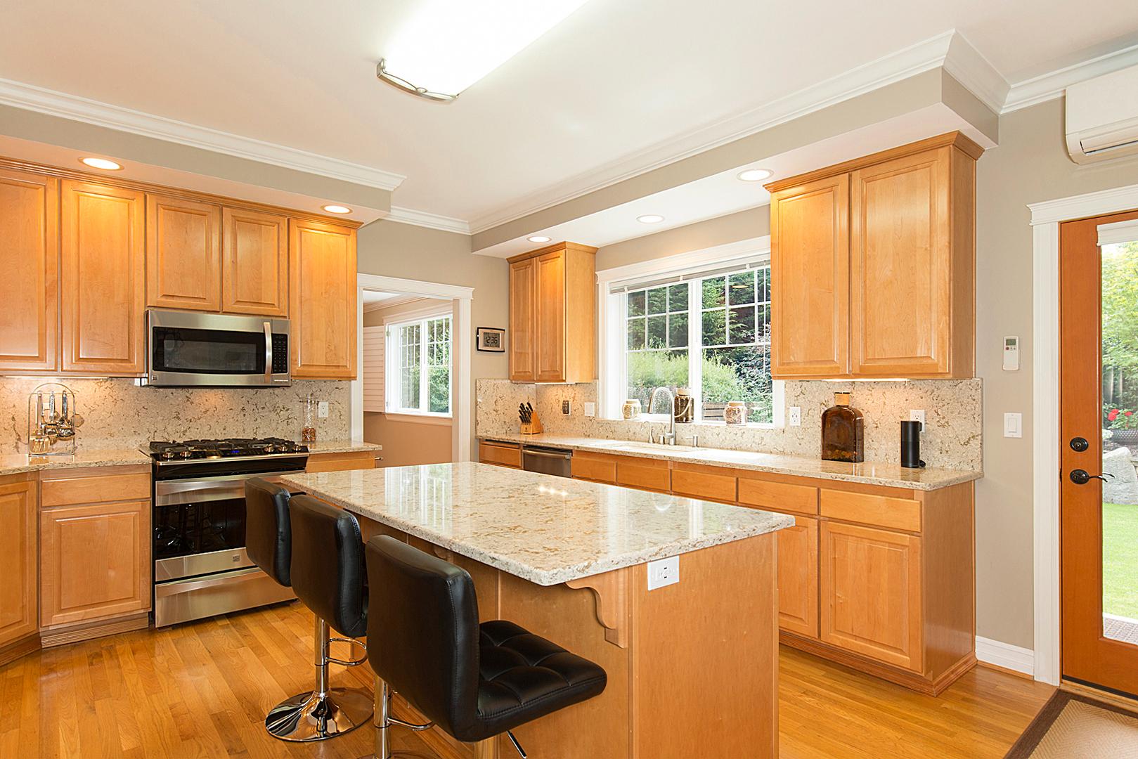 29 kitchen 1-2.jpg