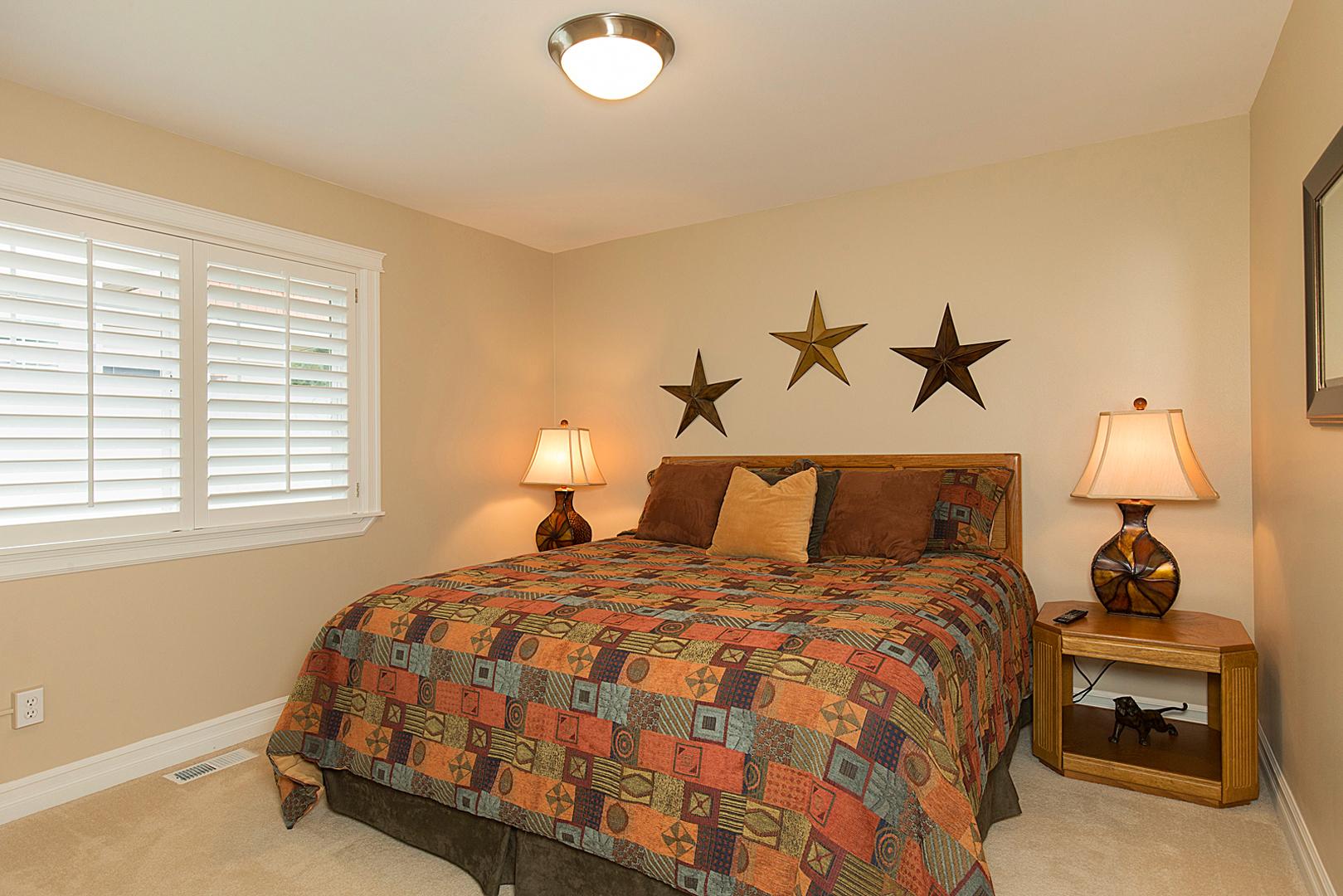 05 bedroom 2-1.jpg