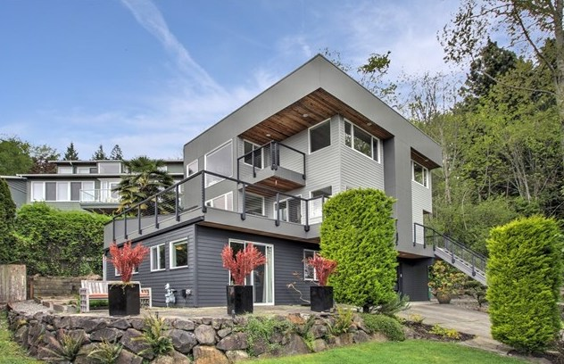 7769 58th Ave NE | Seattle  Sold for $1,595,000   Represented the Buyer