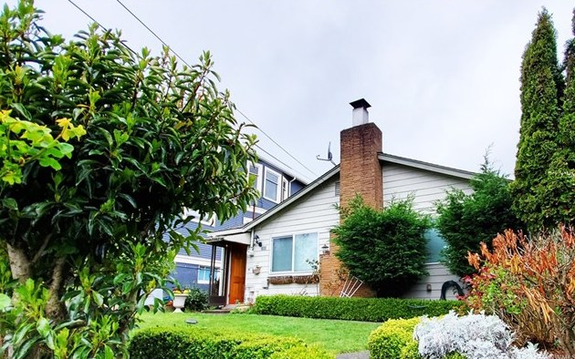 2353 Federal Ave E | Seattle  Sold for $795,000   Represented the Buyer