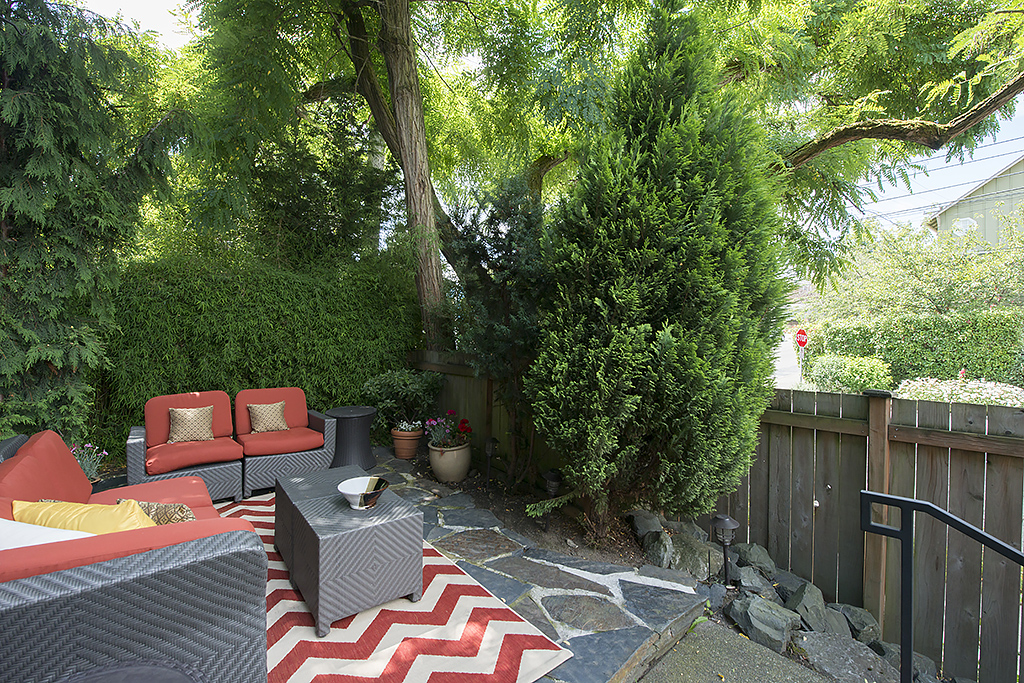 patio 4.jpg