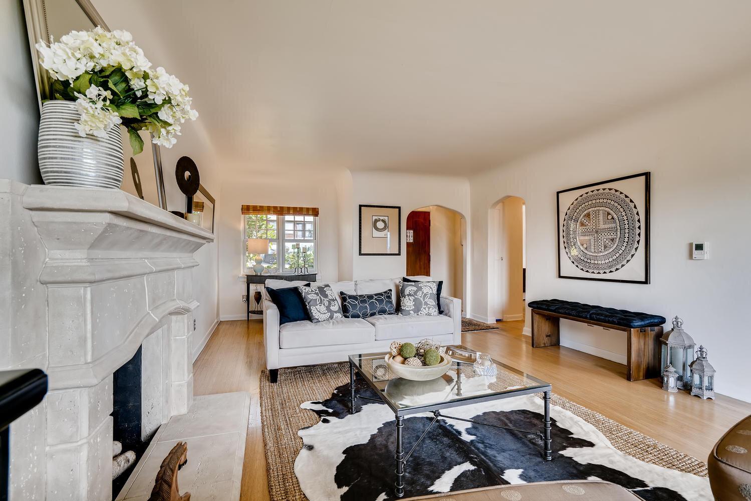 2111 29th Ave W Seattle WA-large-007-007-Living Room-1499x1000-72dpi.jpg