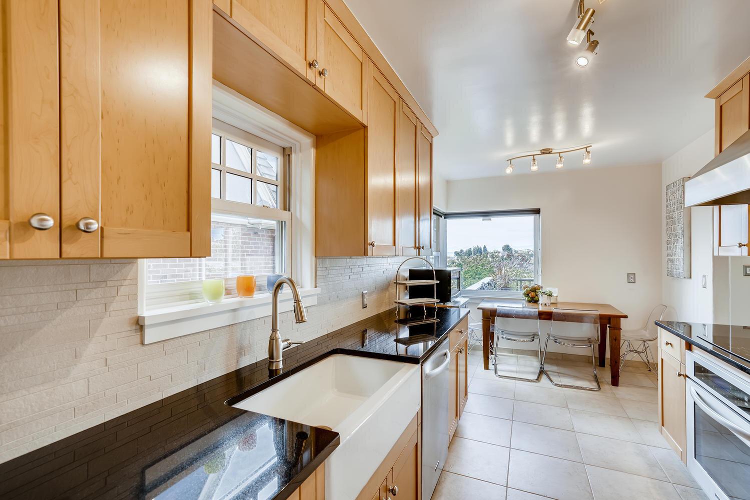 2111 29th Ave W Seattle WA-large-011-031-Kitchen-1499x1000-72dpi.jpg