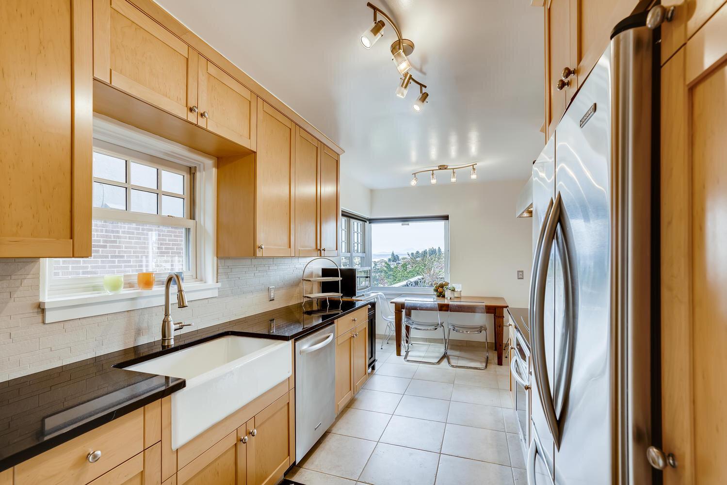 2111 29th Ave W Seattle WA-large-012-005-Kitchen-1500x1000-72dpi.jpg