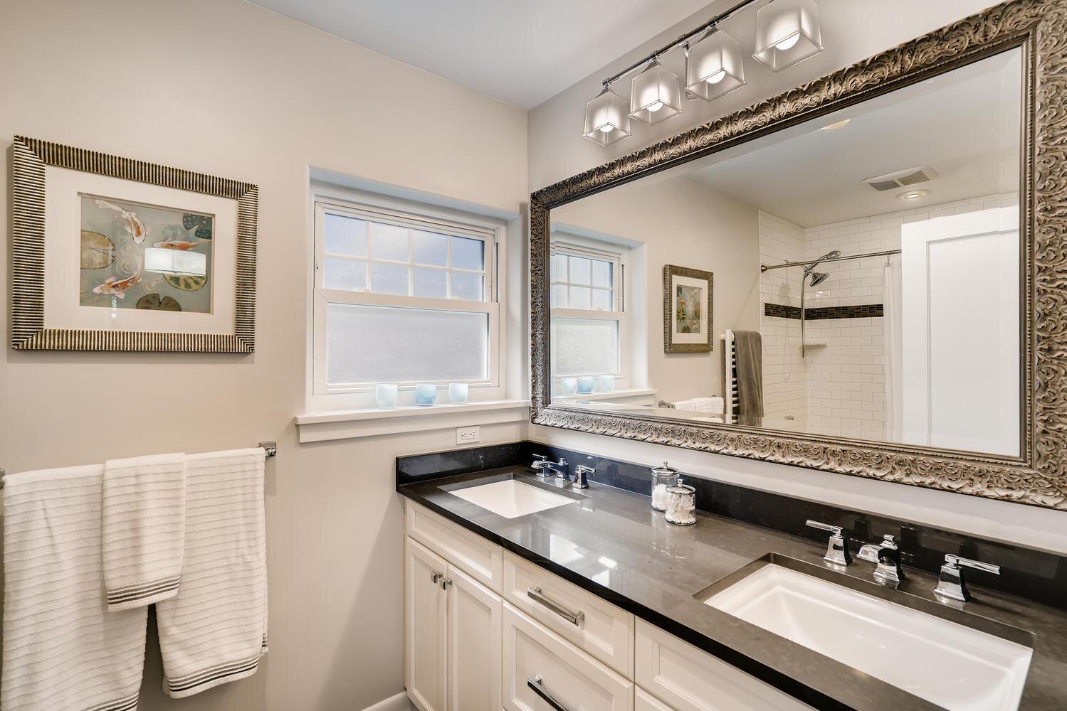 2111 29th Ave W Seattle WA-large-017-010-Master Bathroom-1499x1000-72dpi.jpg