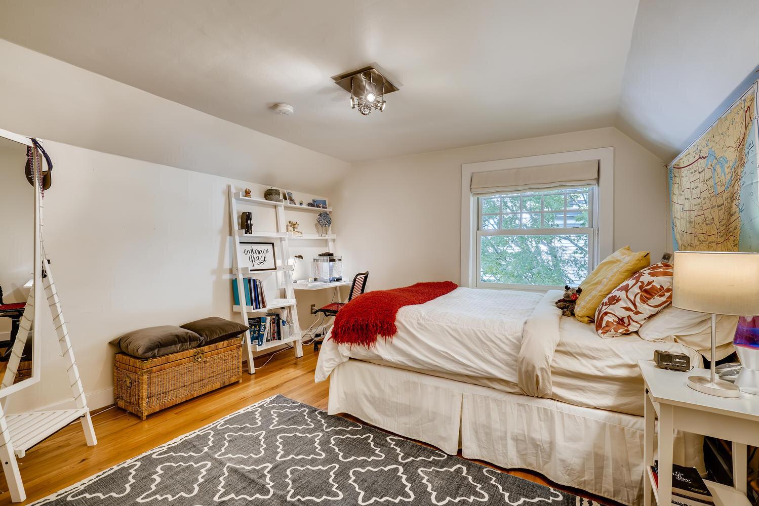 2111 29th Ave W Seattle WA-large-023-024-2nd Floor Bedroom-1499x1000-72dpi.jpg